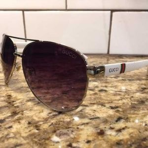 Gucci/Italy White Aviator Sunglasses